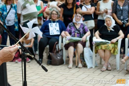 Quedo inaugurada en la plaza 25 de Mayo la obra La Ronda que emula la ronda que todos los jueves dan las Madres de la Plaza
